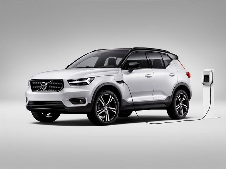 Volvo commits to electric future 2
